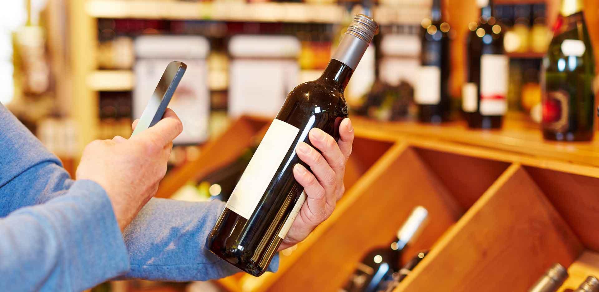 Warum nicht einen dezenten NFC-Chip auf dem Etikett einer Weinflasche. Der Link führt zu interessanten Infos über den aktuellen Jahrgang und den Terminen der Weinproben.